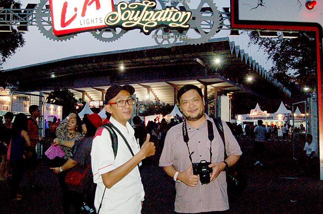 ... Uieks saat memasuki arena LA Soulnation di Istora Senayan, Jakarta
