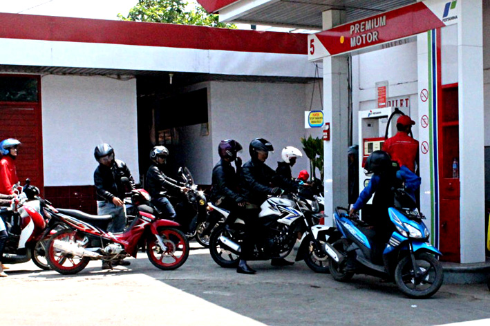 Antri bensin