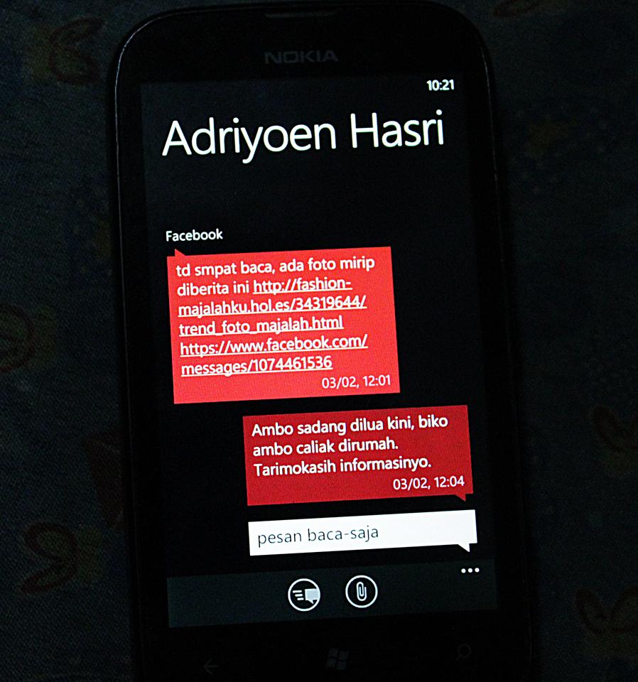 Akun teman di Bandung yang lebih dulu dibajak hacker, mengirim pesan ini kepada saya melalui inbox FB