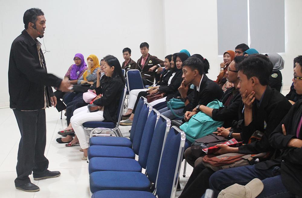 Sebuah seminar menyambut MEA untuk siswa SMK
