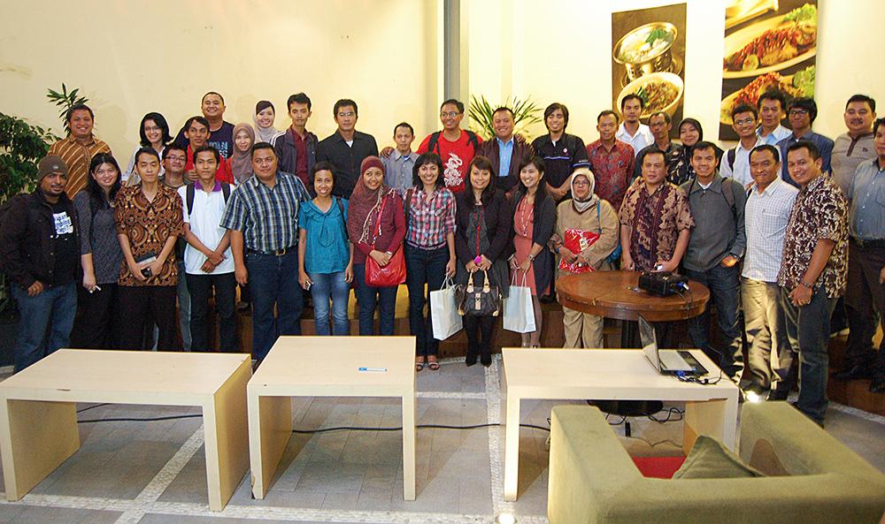 Para Blogger Indonesia yang berkumpul saat pembentukan Komunitas Blogger Asean Chapter Indonesia