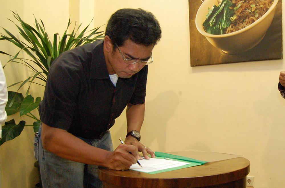 Iman Brotoseno, yang ditunjuk sebagai ketua Komunitas Blogger ASEAN Chapter Indonesia